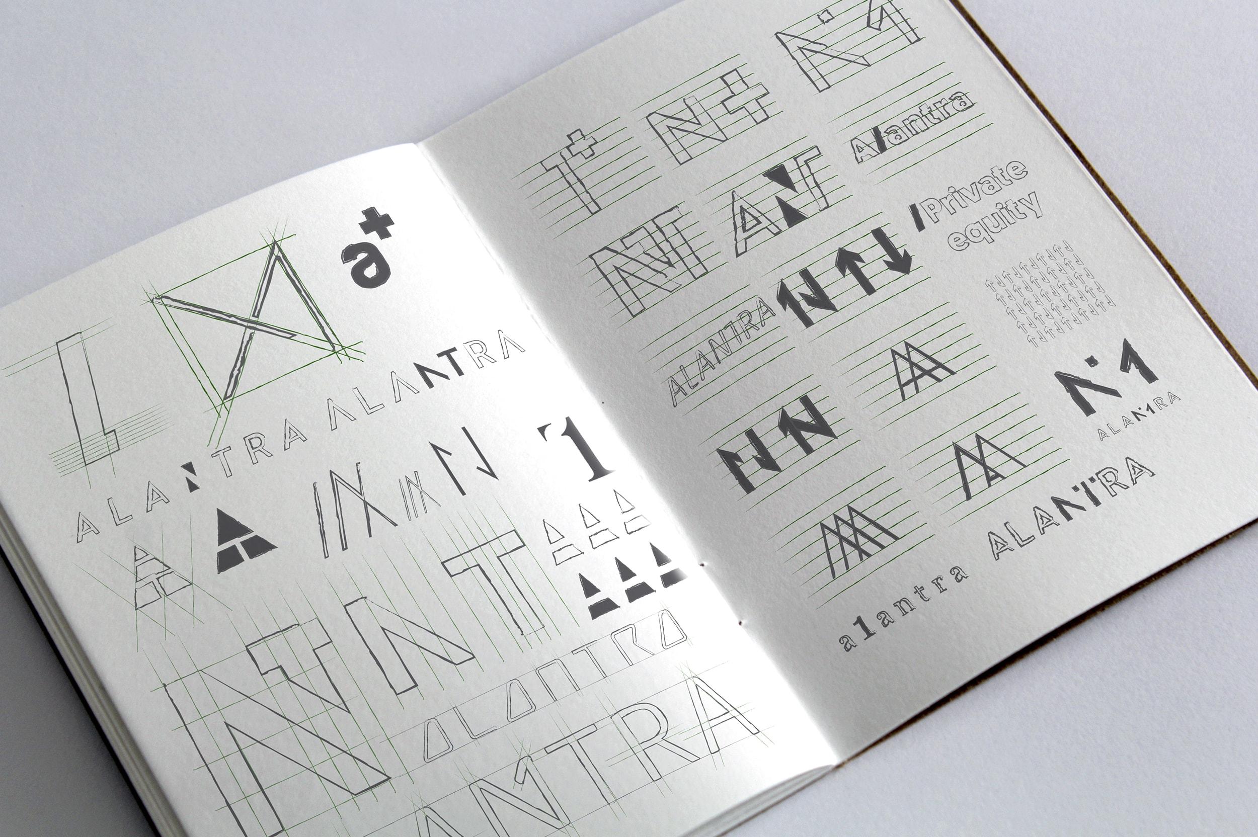 Sketchbook brainstorming logotipo Alantra